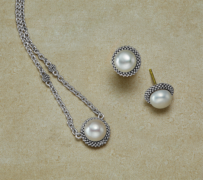 gift-guide-holiday-pearl-earrings-necklace